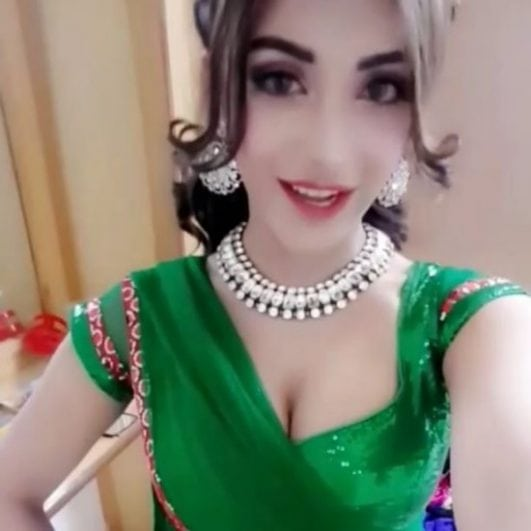 Angela krislinzki hot cleavage show in saree