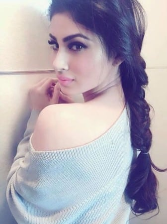 Mouni Roy naagin hot sweet look