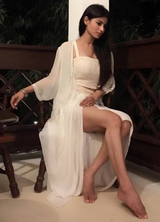 Mouni Roy hot toned leg show