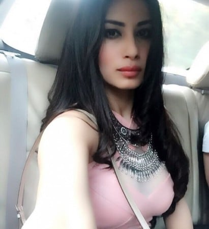 Mouni Roy hot and sweet looking selfie