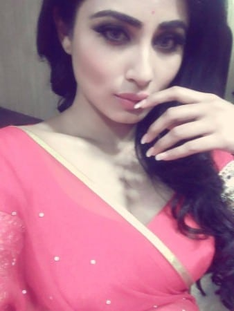 Mouni Roy intense hot selfie in pink