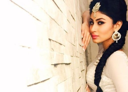 Mouni Roy latest photo shoot wallpaper