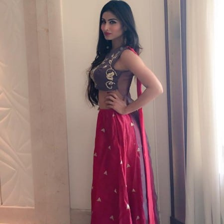 Mouni Roy hot look in indian dress