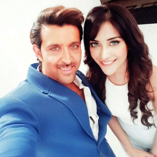 Angela krislinzki controversial selfie I believe but hot with Hrithik Roshan