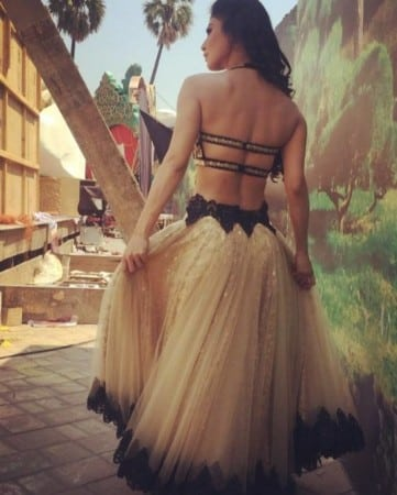 Mouni Roy naagin hot in backless dress