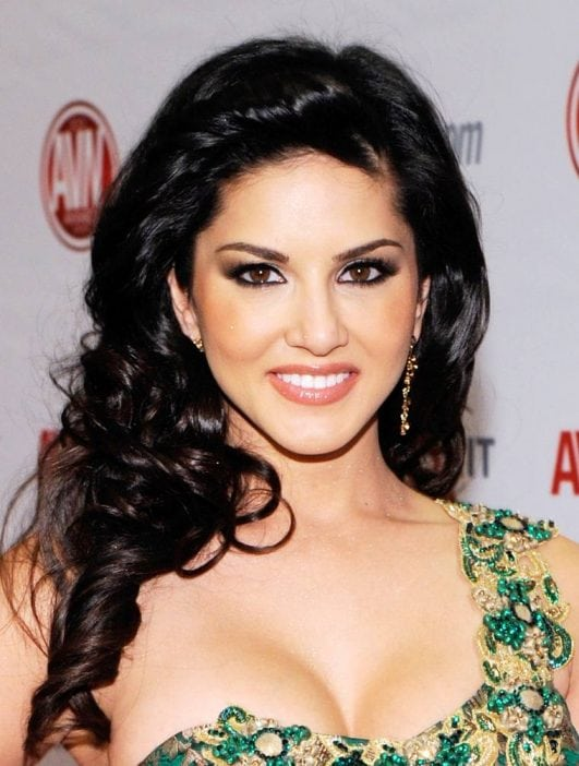 Sunny Leone 21 Best Hot Cleavage Show Boobs Bikini Latest Wallpapers Topless PHOTOS