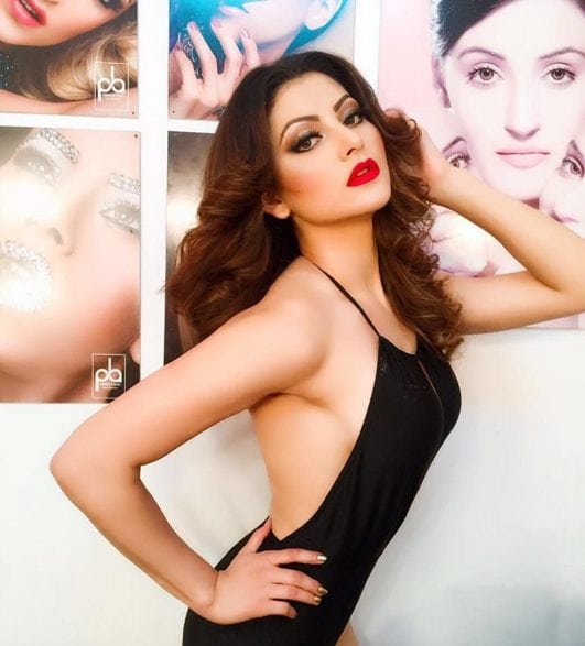 Urvashi Rautela hot Latest photos