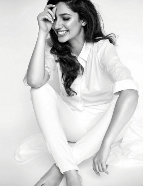Mahira Khan Ravishing Look Cover of Vogue India June 2017