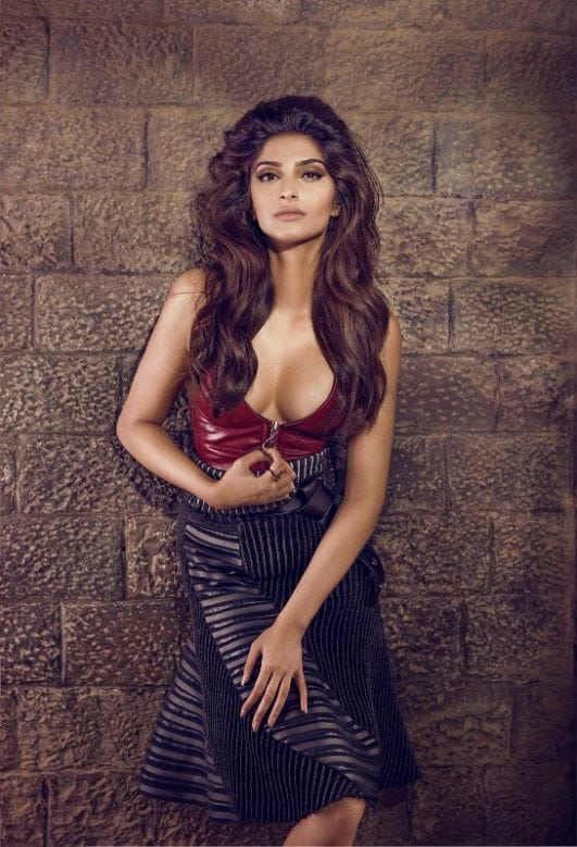 sonam kapoor hot body cleavage,Top 10 Hottest Bollywood Actress With 100% Perfect Figure 2017 The Hottest Body