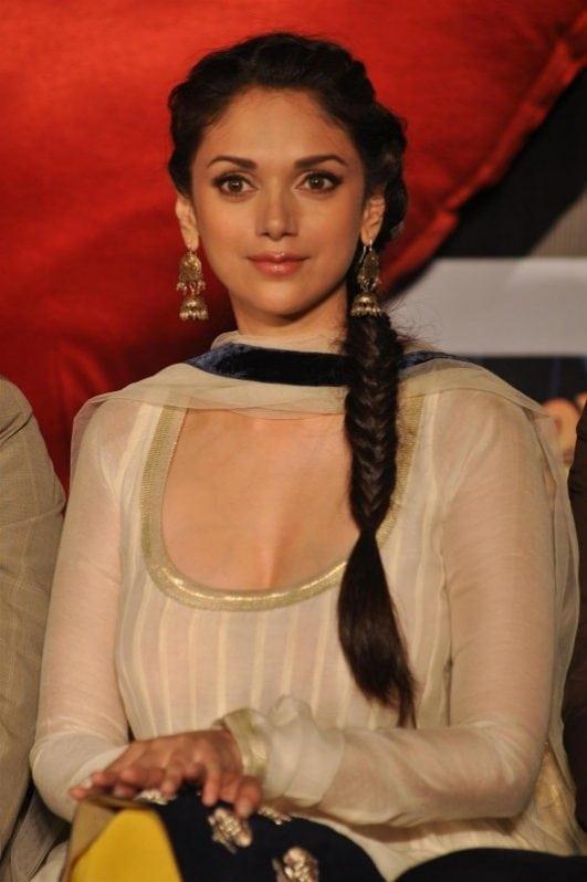 Aditi Rao Hydari hot (15)