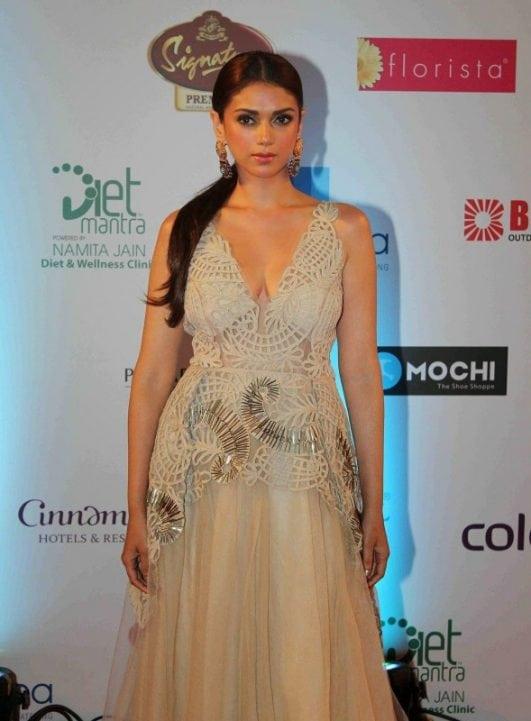 Aditi Rao Hydari hot (18)
