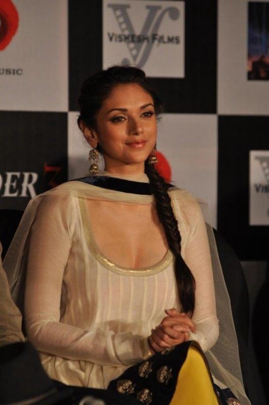 Aditi Rao Hydari hot (20)