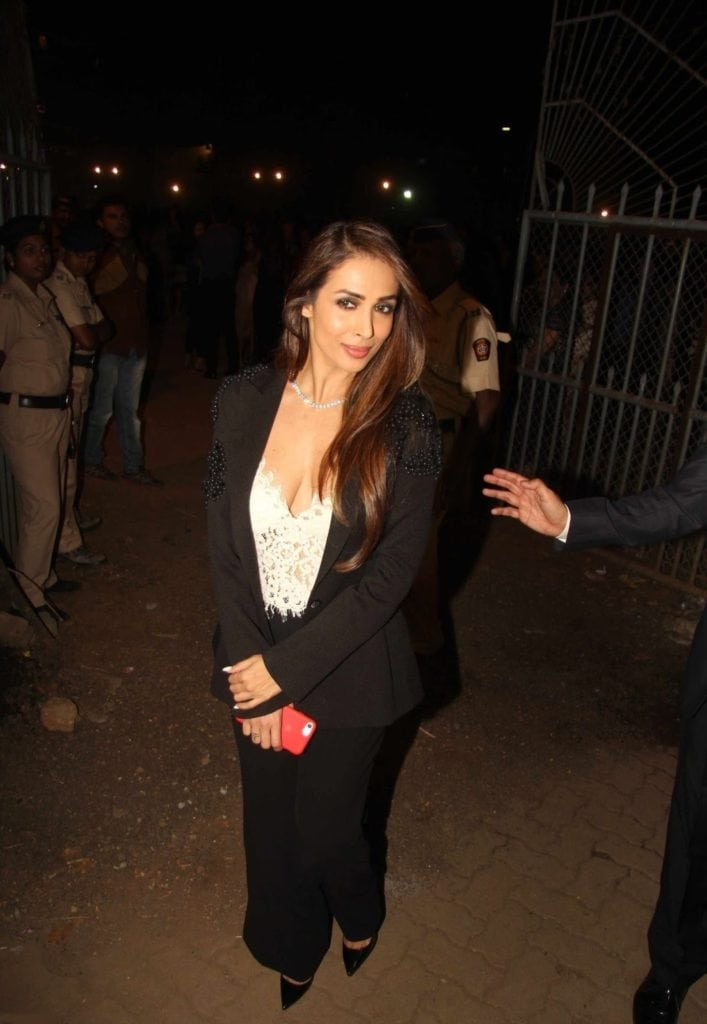 Malaika Arora Khan Looks Hot At The Christmas 2016 Midnight Mass in Mumbai