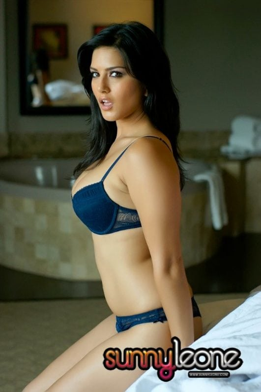 Sunny Leone Seductive photos