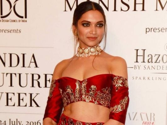 beautiful Deepika Padukone hot photo in red dress