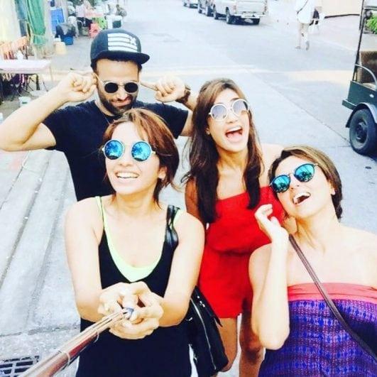 Asha Negi hot selfie