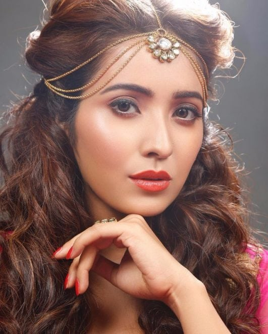 Asha Negi image from her tv show