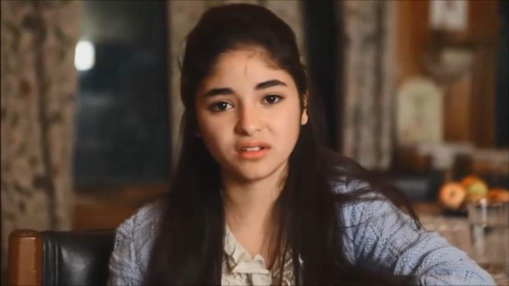 Zaira Wasim a still from her movie secreat superstar
