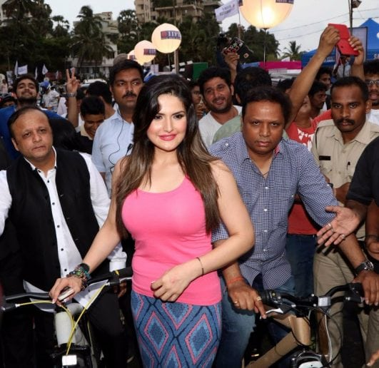 Zarine Khan Looks Irresistibly Sexy At Asif Bhamla Foundation's World Environment Day Event in Mumbai