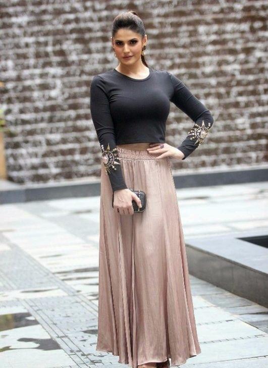 Zarine Khan hot boobs latest