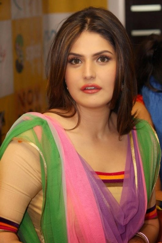 Zarine Khan hot wallpaper