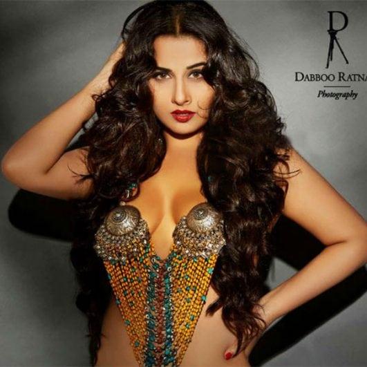 vidya-balan-flaunts-cleavage-in-this-pic-201603-693527