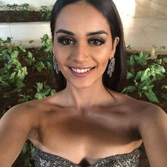 Manushi Chhillar cleavage hot