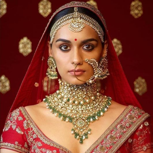 Manushi Chhillar indian look