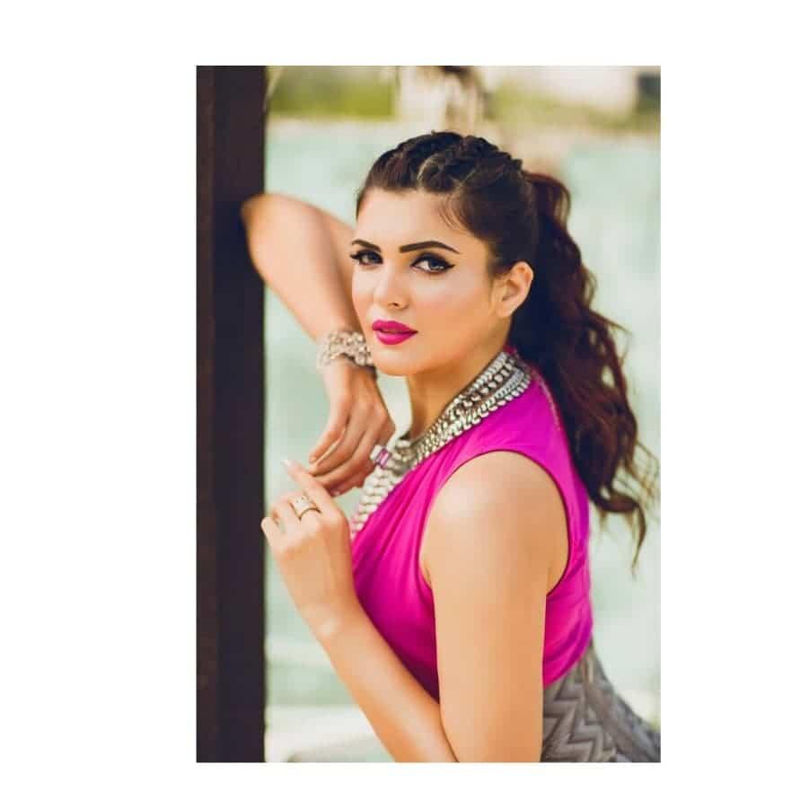 Ihana Dhillon instagram sexy looks
