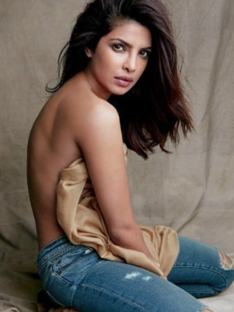 Priyanka-chopra-backless photo