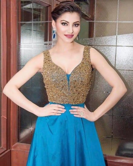 Urvashi Rautela boobs hot latest