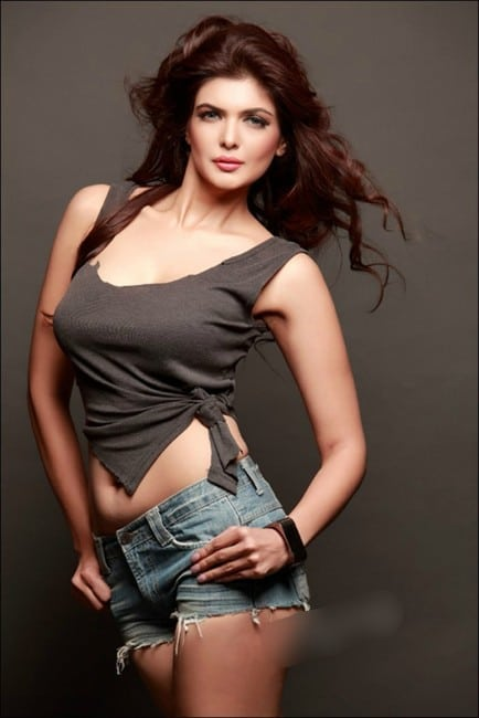 ihana dhillon hot photo hate story 4 actress