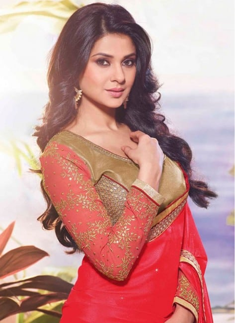 jennifer winget hot in red sute