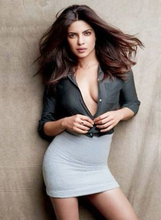 priyanka-chopra-hot-wallpaper-new-images-