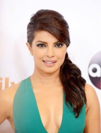 priyanka-chopra-stills-at-tca-quantico-2015-summe-tour9