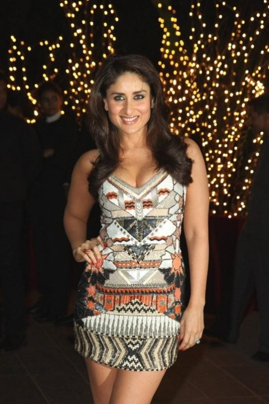 Kareena-Kapoor-Smoking-Hot-Legs-and-Cleavage-Show-At-Karan-Johars-40th-Birthday-Party