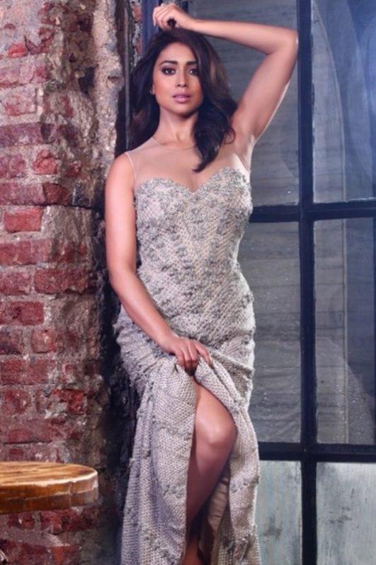shriya-saran-hot-top-south-actress