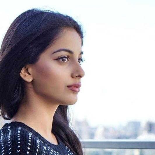 Banita Sandhu hot October film actress (2)