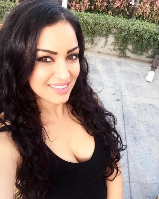 grand masti actress maryam zakaria hot boobs 21 latest photos (23)