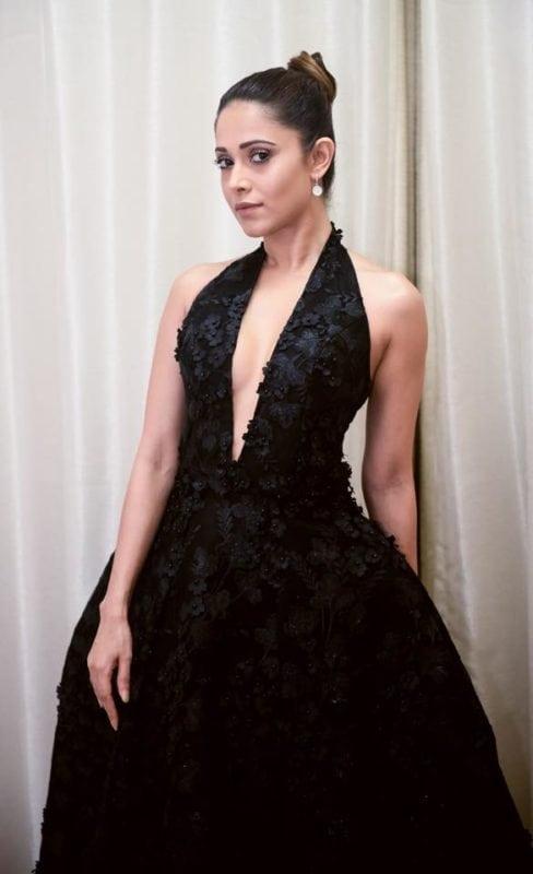 Nushrat Bharucha hot clevage show in black dress