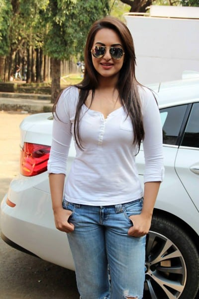 Sonakshi Sinha boobs show in white shirt