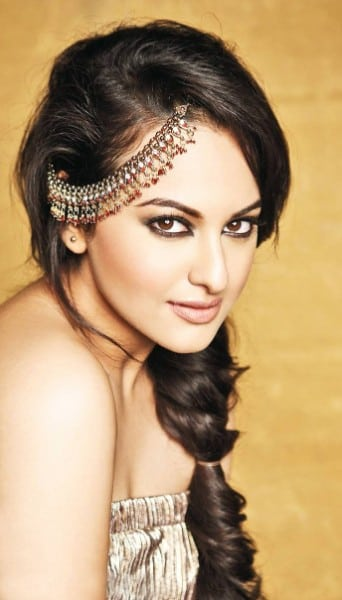 Sonakshi Sinha sexy indian look