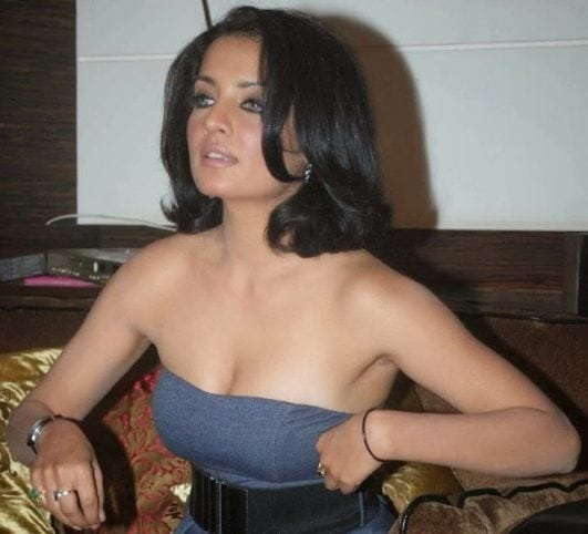 Celina Jaitly Hot & Beautiful 21 Latest HD Photos Wiki Bio INFO