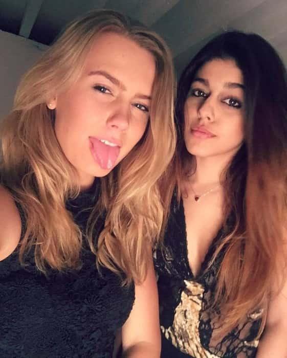 Aalia Furniturewalla sexy photo with friend