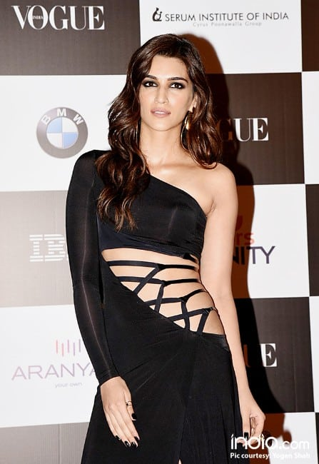 Kriti Sanon sexy looking in black dress at vouge event