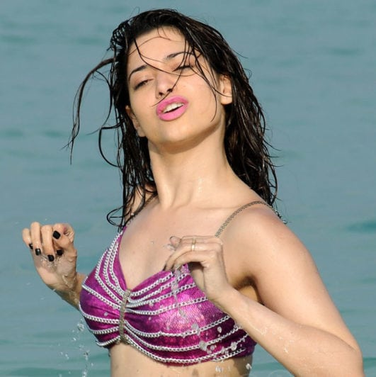 Tamanna hot clevage in bra