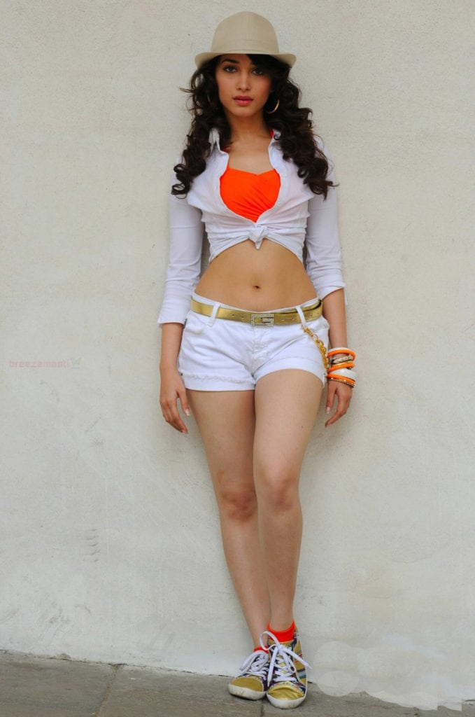Tamannaah Bhatia hot and sizzling photoshoot