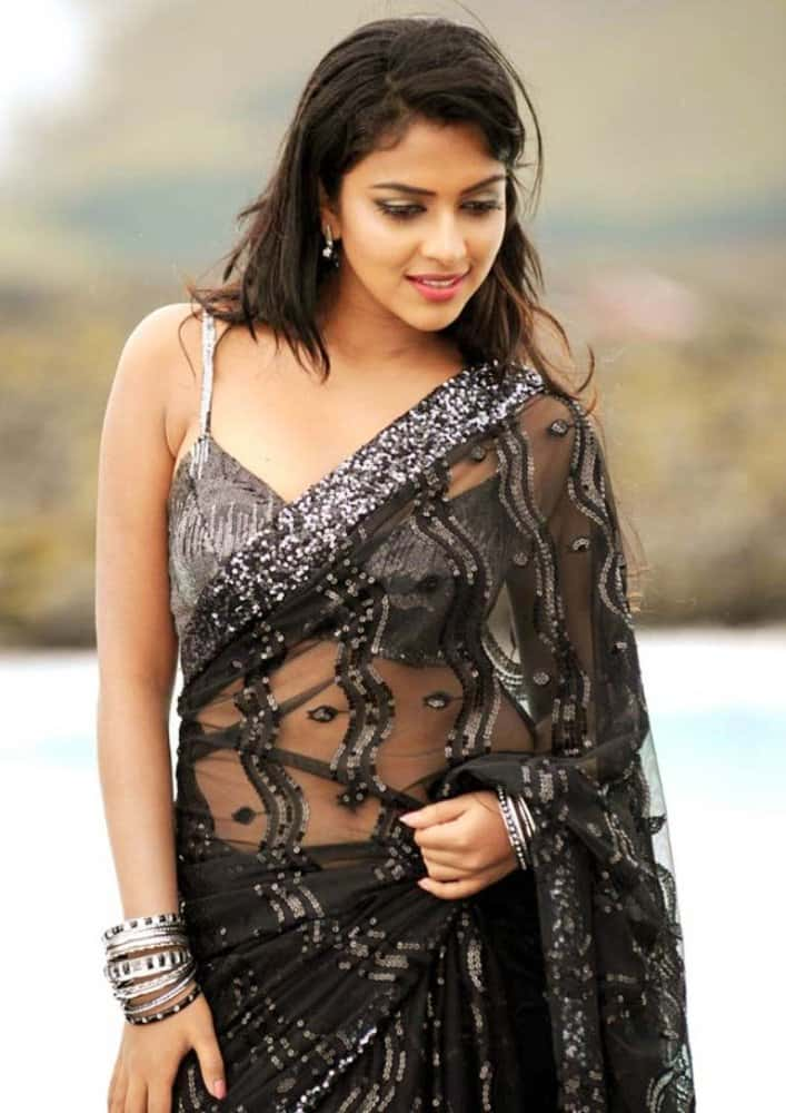 amala paul clevage show in black saree