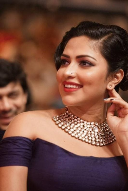 amala paul hot at award show-min
