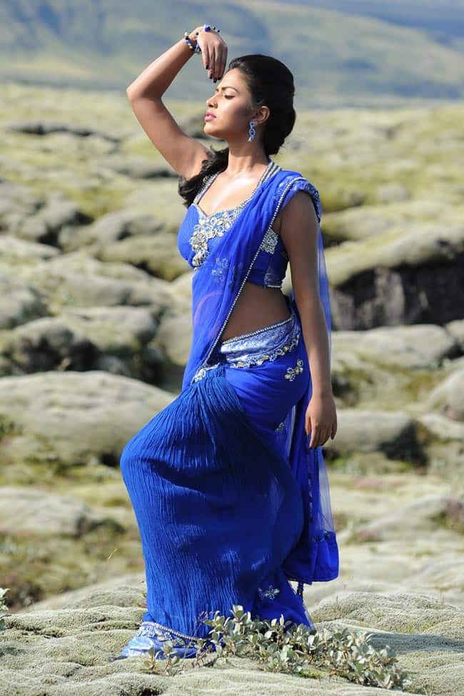 amala paul hot in blue saree-min